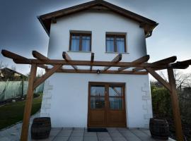 Bike & Wine Cottage, Этек (рядом с городом Херцегалом)