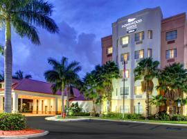 西棕櫚灘希爾頓惠庭套房酒店