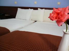 Hotel Lux, Loutra Ipatis
