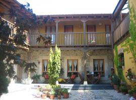 Hotel Rural Casa Hilario, La Losilla y San Adrián (Ranedo de Curueño yakınında)