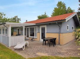 Four-Bedroom Holiday Home Skriverstræde 04, Kramnitse (Dannemare yakınında)