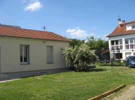 L'Abri-Gîte, Neuilly-Plaisance (рядом с городом La Maltournée)