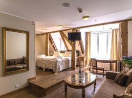 CRU Hotel