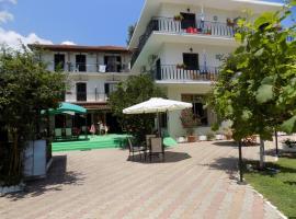 Des Roses Hotel, Platanias (рядом с городом Mikro)