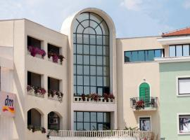 Aparthotel Bellevue Trogir, Трогир