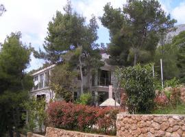 Apartments Villa Ypsilon, Света-Неделя