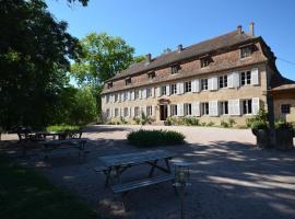 Chambres d'hôtes Château De Grunstein, Стоцхейм (рядом с городом Zellwiller)