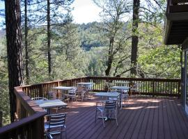 The Inn at Shasta Lake, Lakehead