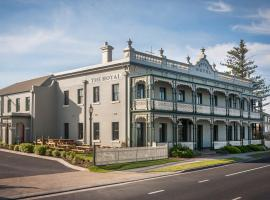The Royal Hotel Mornington, Mornington