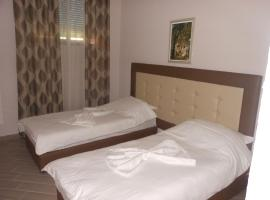 Hotel Green House, Fier (Sheqi i Vogël yakınında)