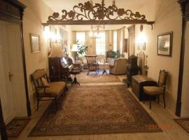 Retro - 19th Century Guest House