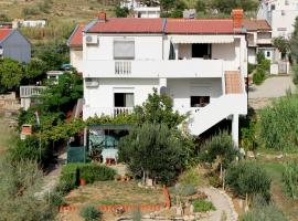 Apartments Lovre, Pag