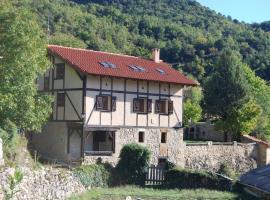 Casa Rural Natura Sobron, Sobrón (рядом с городом Montejo de San Miguel)