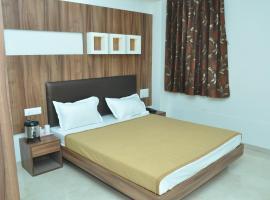 Hotel Luxura & Festiva Restaurant, Siddhapur (рядом с городом Pātan)