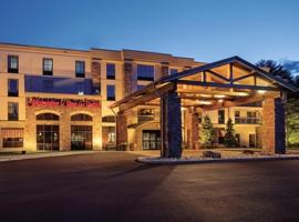 Most Booked Hotels Near Six Flags Great Escape Lodge In The Past Month Hampton Inn Suites Lake George