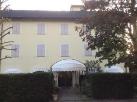 Ducathotel, Torrile (Vicomero yakınında)