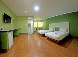 Central Park Hotel, Sing Buri