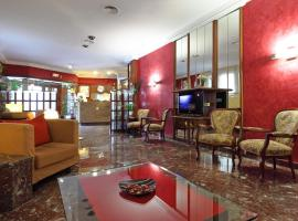 Hotel Los Angeles, Figueres (Els Hostalets yakınında)