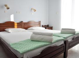 Glaros Rooms, Айос-Кирикос (рядом с городом Фанари)