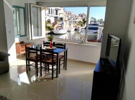 Waterside Apartment - Two Bedroom, Empuriabrava