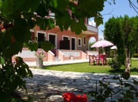 Olga's Garden Apartments, Альмирос-Бич