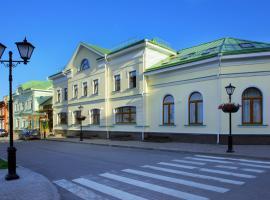 Dvor Podznoeva Glavniy Korpus, Pskov