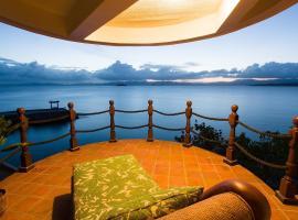 NoaNoa Island Resort, Taytay
