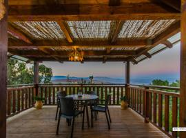 Beautiful Lake View Wooden House, Тверия (рядом с городом Kefar H̱ittim)