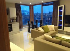 Amazing City Centre Penthouse With Private Roof Terrace