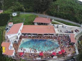 Sky Club Eco Hotel, Belén de Umbría (Palo Blanco yakınında)