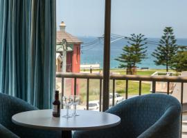 Newcastle Beach Hotel