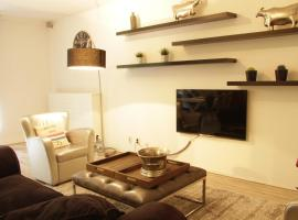 Luxury Center Two-Bedroom Apartment with Private Parking *Non Smoking*