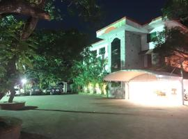 Hotel Mithila, Eramalloor (рядом с городом Perumbalam)