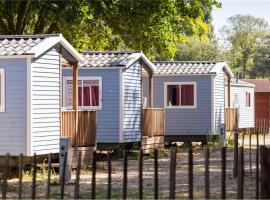Camping Paris-Est, Шампиньи-сюр-Марн (рядом с городом Жуанвиль)