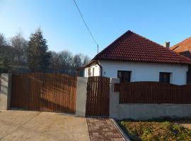 Bujdosó Vendégház, Tardona (рядом с городом Dédestapolcsány)
