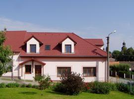 Apartments Ubytování U Zemanů, Chrášťany (Týn nad Vltavou yakınında)