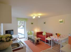 Apartment Hunau