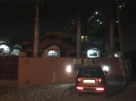 Secret Hotel, Haatso (рядом с городом Dome)