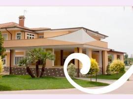 Hotel Villa Aurora, Latina