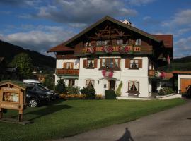 Ferienwohnungen Beim Zellerbäck, Ruhpolding (Sankt Valentin yakınında)