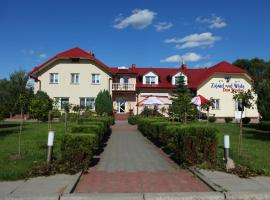 The best available hotels & places to stay near Zdwórz, Poland