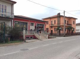 Manu Gold House, Solesino (Vescovana yakınında)