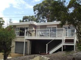Coningham Beach House, Coningham (Dennes Point yakınında)