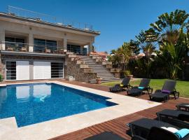Superb Family Villa in Sonnenland for 12