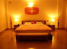 The Pink Door Hotel, Kalimpong