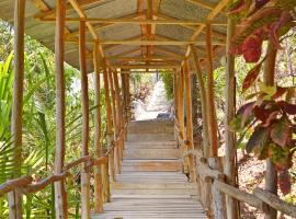 Blue Jay Lodge, Mal País (Carmen yakınında)