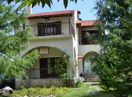 Xenonas Aloni, Theodoriana (рядом с городом Neraida)