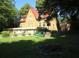 Waldhotel Alte Hölle, Wiesenburg (Gräben yakınında)