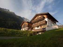 Hotel Restaurant zum Bergführer, Elm (Matt yakınında)