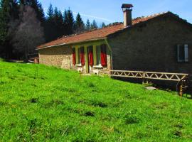 B&B Les Paddocks, Vollore-Montagne (рядом с городом Saint-Jean-la-Vêtre)